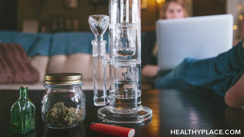 Signs of marijuana use and symptoms of marijuana addiction are seen by many close to the marijuana user. Marijuana use signs should be addressed to avoid marijuana addiction.